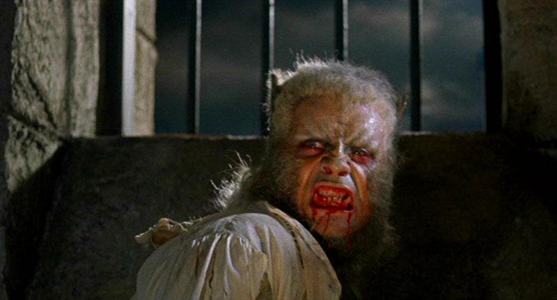 curse-of-the-werewolf-hammer-horror-films-3739574-800-431